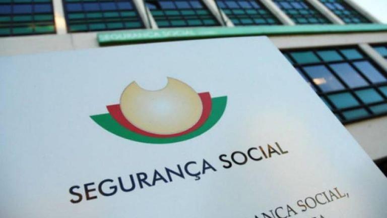 Trabalhadores que estiveram em lay-off recebem hoje cheque da Segurança Social