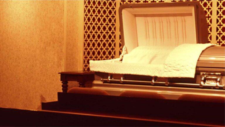 Caixão de vítimas da Covid-19 já pode ser aberto. Mas há regras