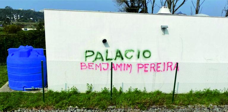 """""""grafiti"""" faz Rui Pereira vereador do JPNT alertar Benjamim Pereira"""