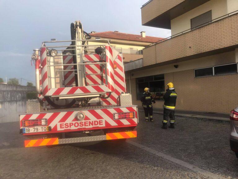 Incêndio em restaurante em Forjães