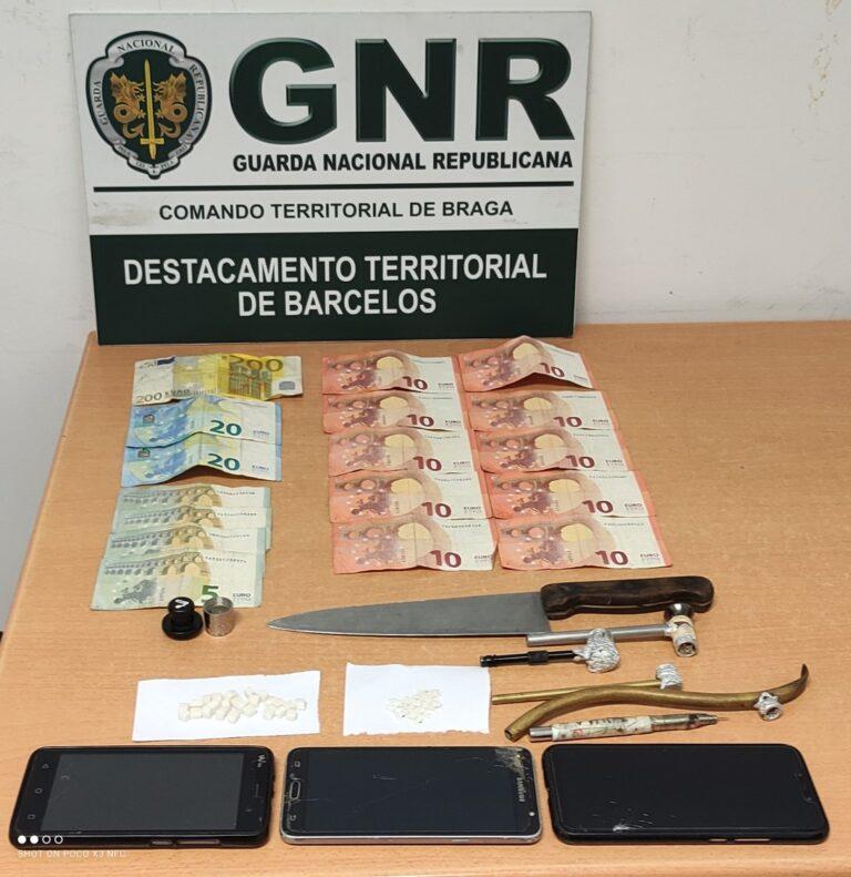 Detidos por tráfico de estupefacientes e posse de arma proibida em Rio Covo
